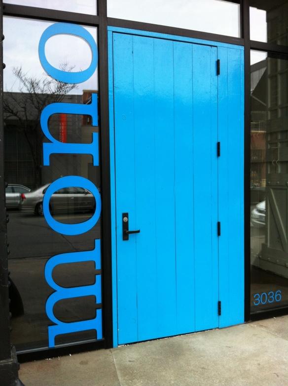 Mono_door