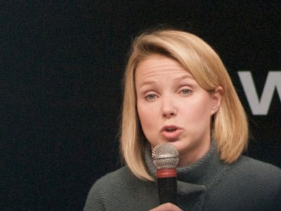 yahoo-ceo-marissa-mayer-holds-a-microphone-at-le-web
